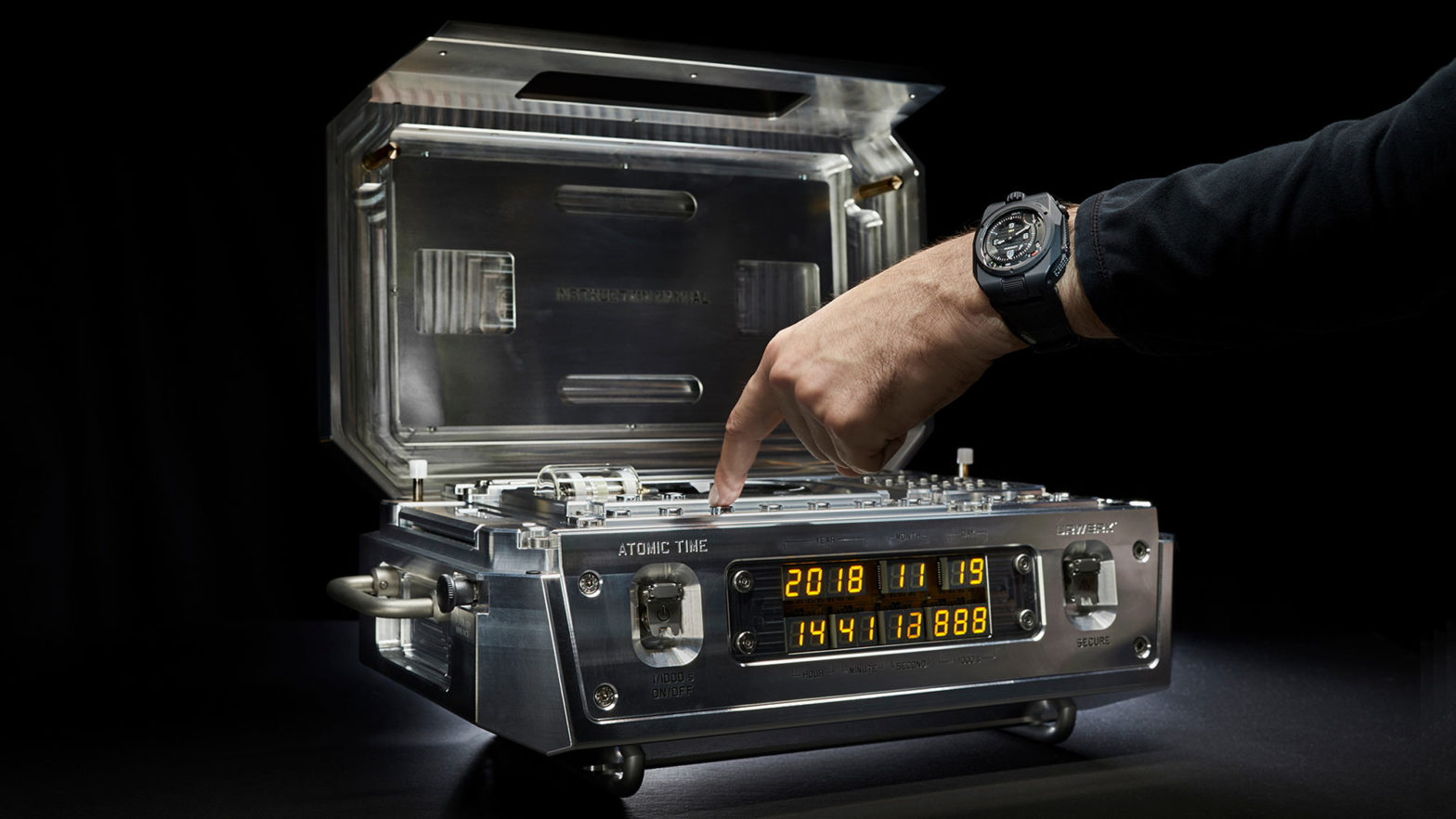 URWERK AMC Clock and Watch System