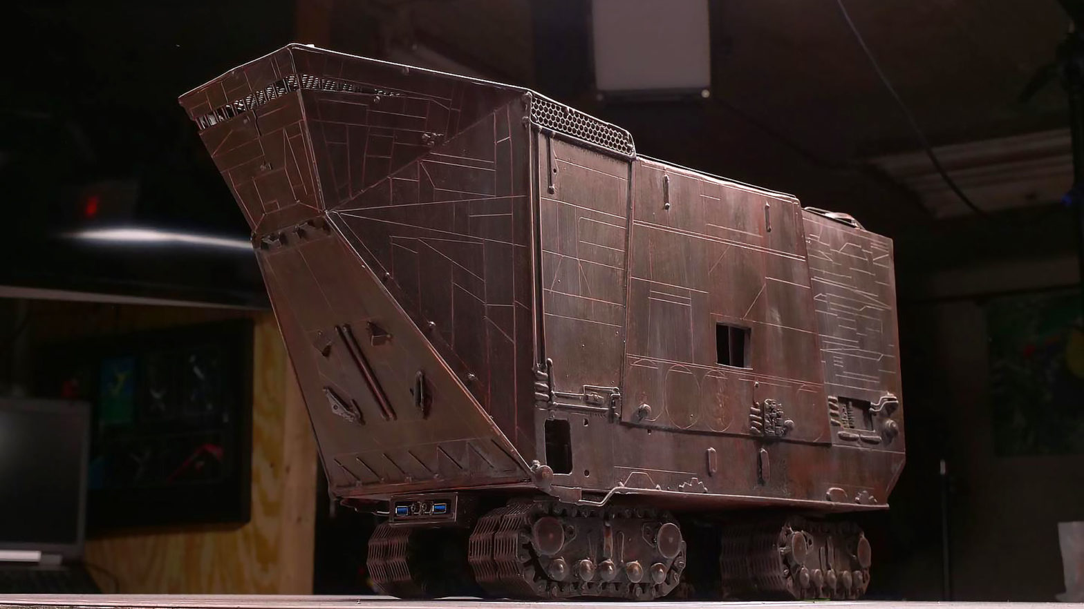 Custom Jawa Sandcrawler Gaming PC