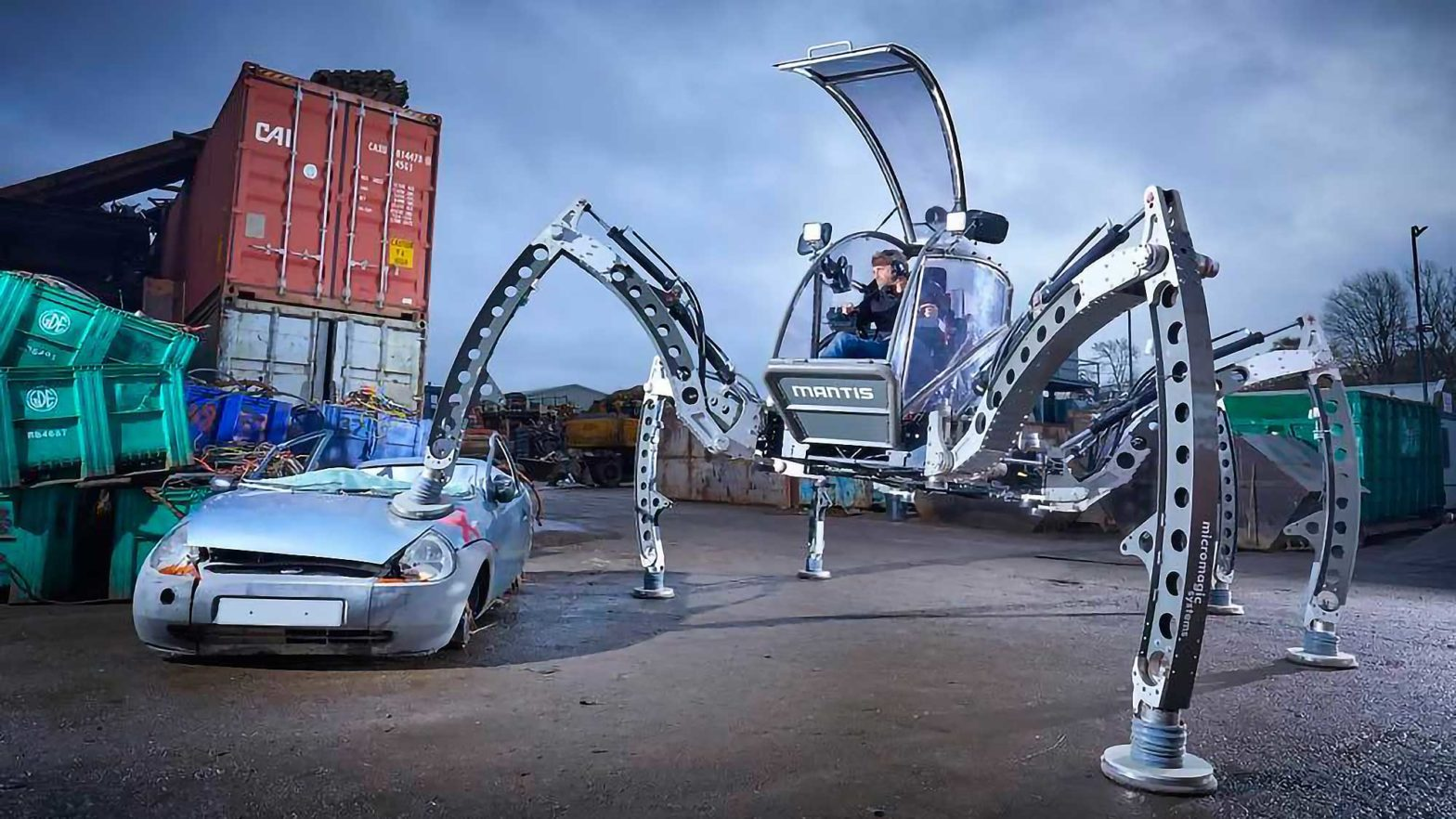 Drivable Spider Robot by Matt Denton