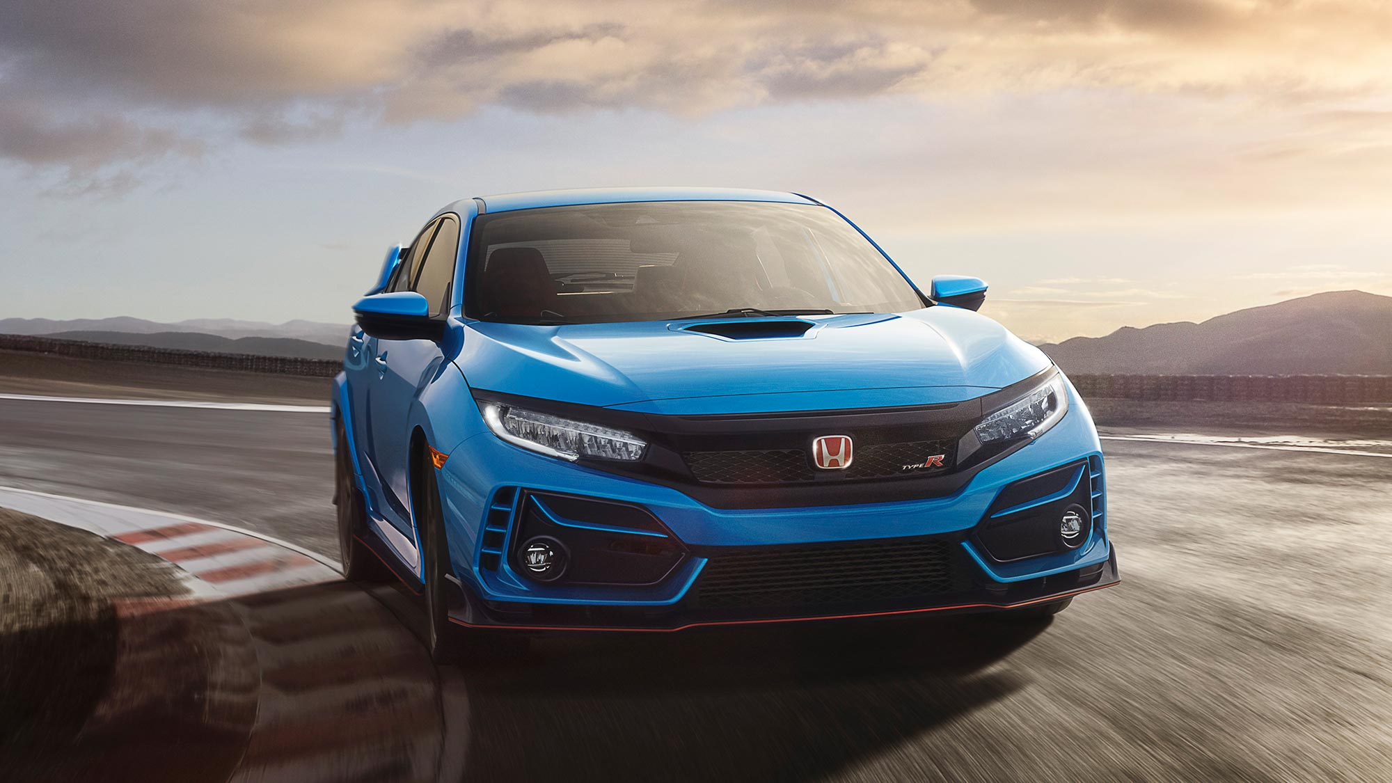 2020 honda civic type r and 600 units of 2021 track