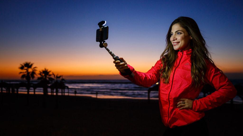 Pictar Smart-Light Selfie Stick