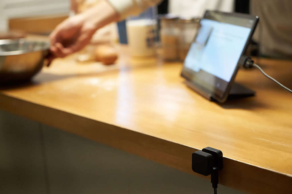 Glamos Adds Gesture Control To Any Screen