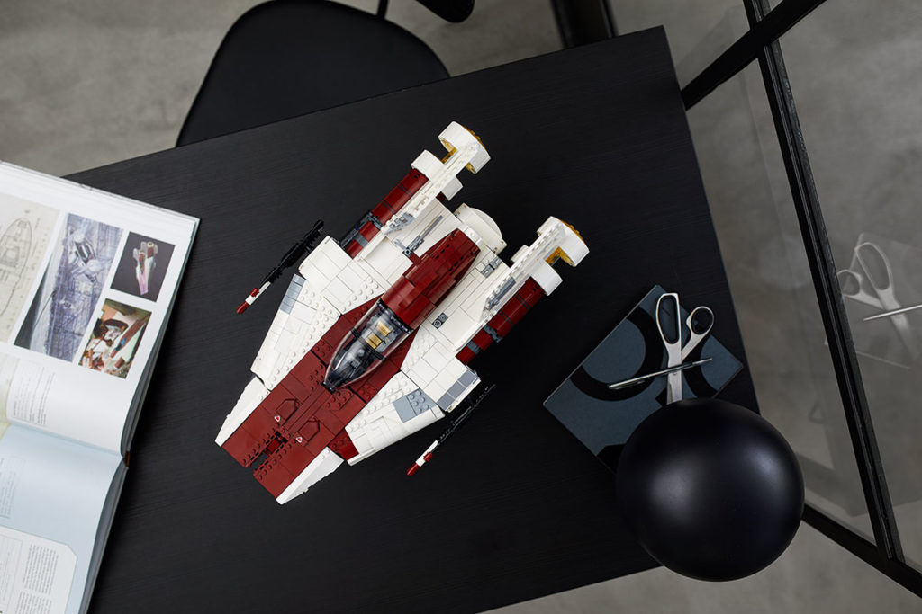 LEGO 75275 UCS Star Wars A-Wing Starfighter
