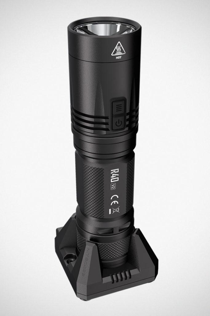 NITECORE R40 V2 Wireless Charging Flashlight