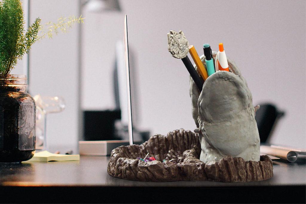 Regal Robot Star Wars Space Slug Desk Tidy