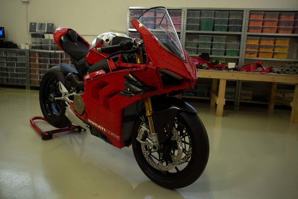 1:1 LEGO Ducati Panigale V4 R Model