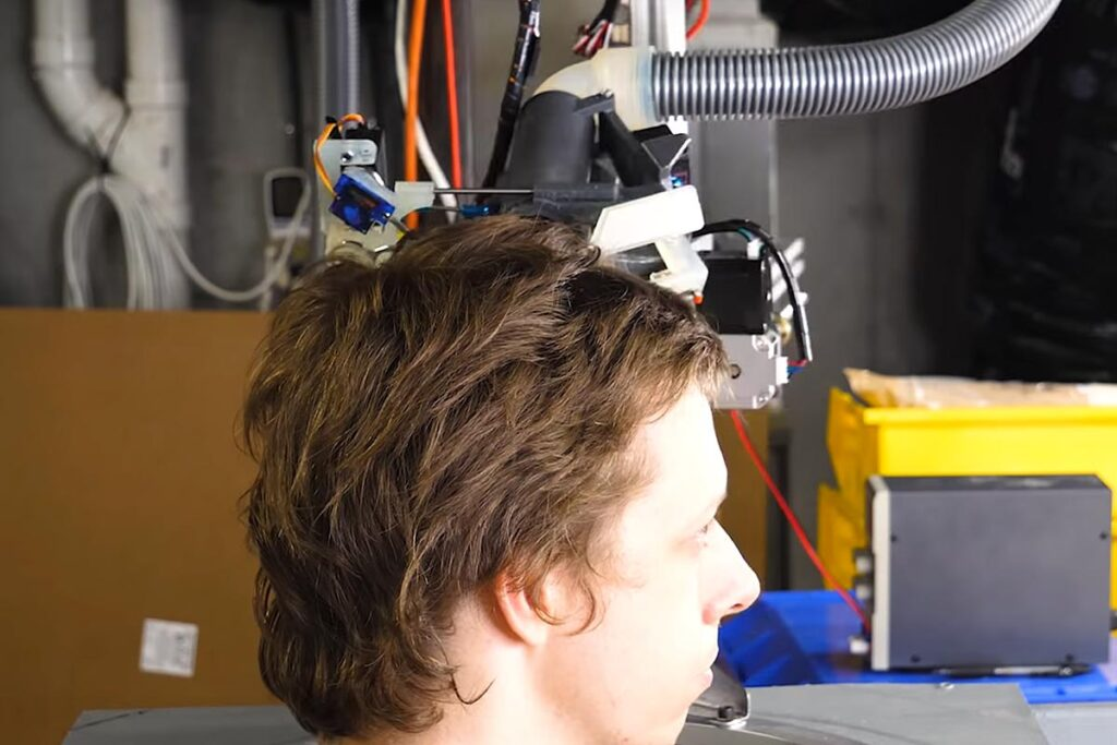 Haircutting Robot by Stuff Made Here