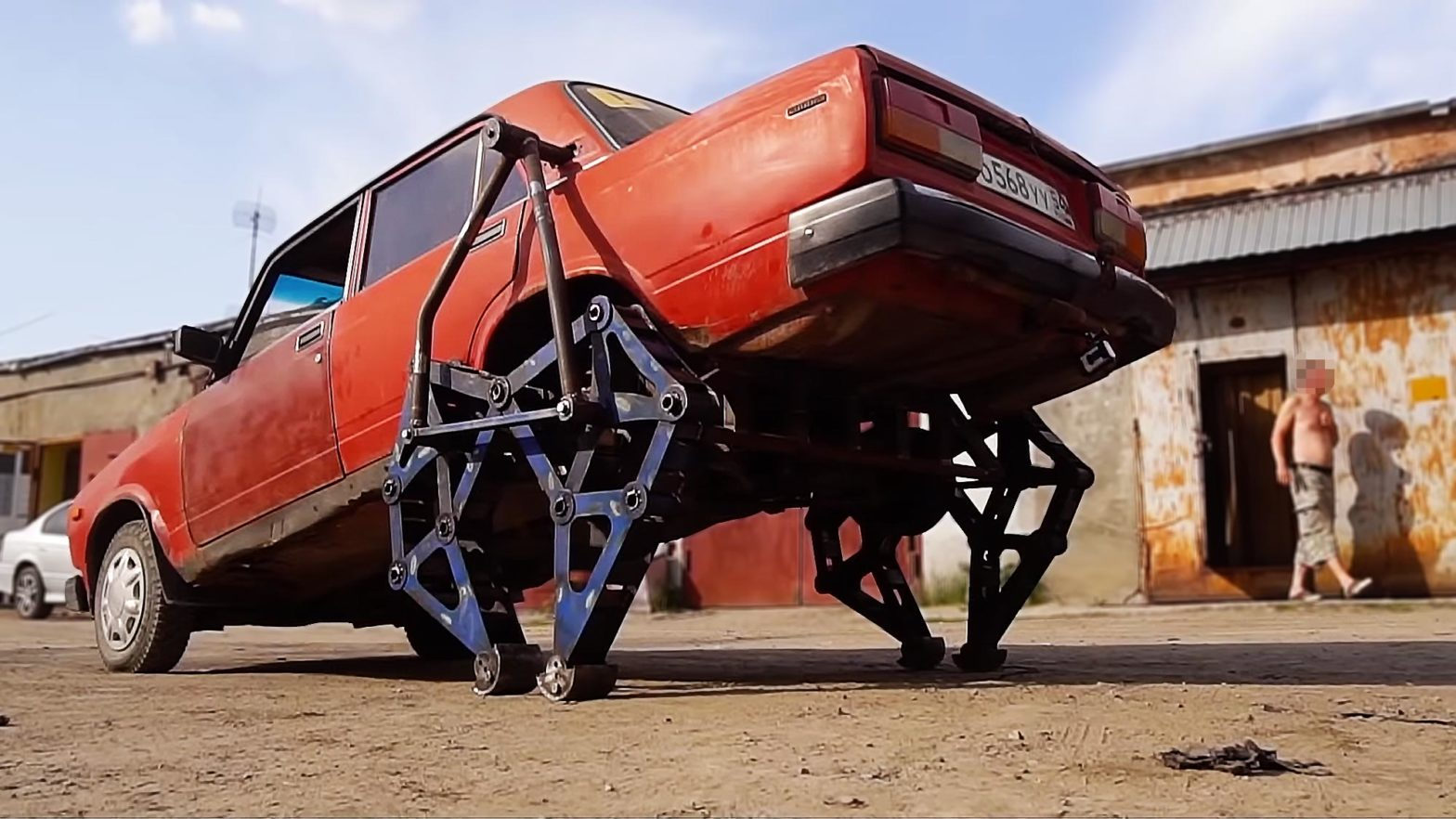 Lada-walker: Custom Lada Sedan with Legs