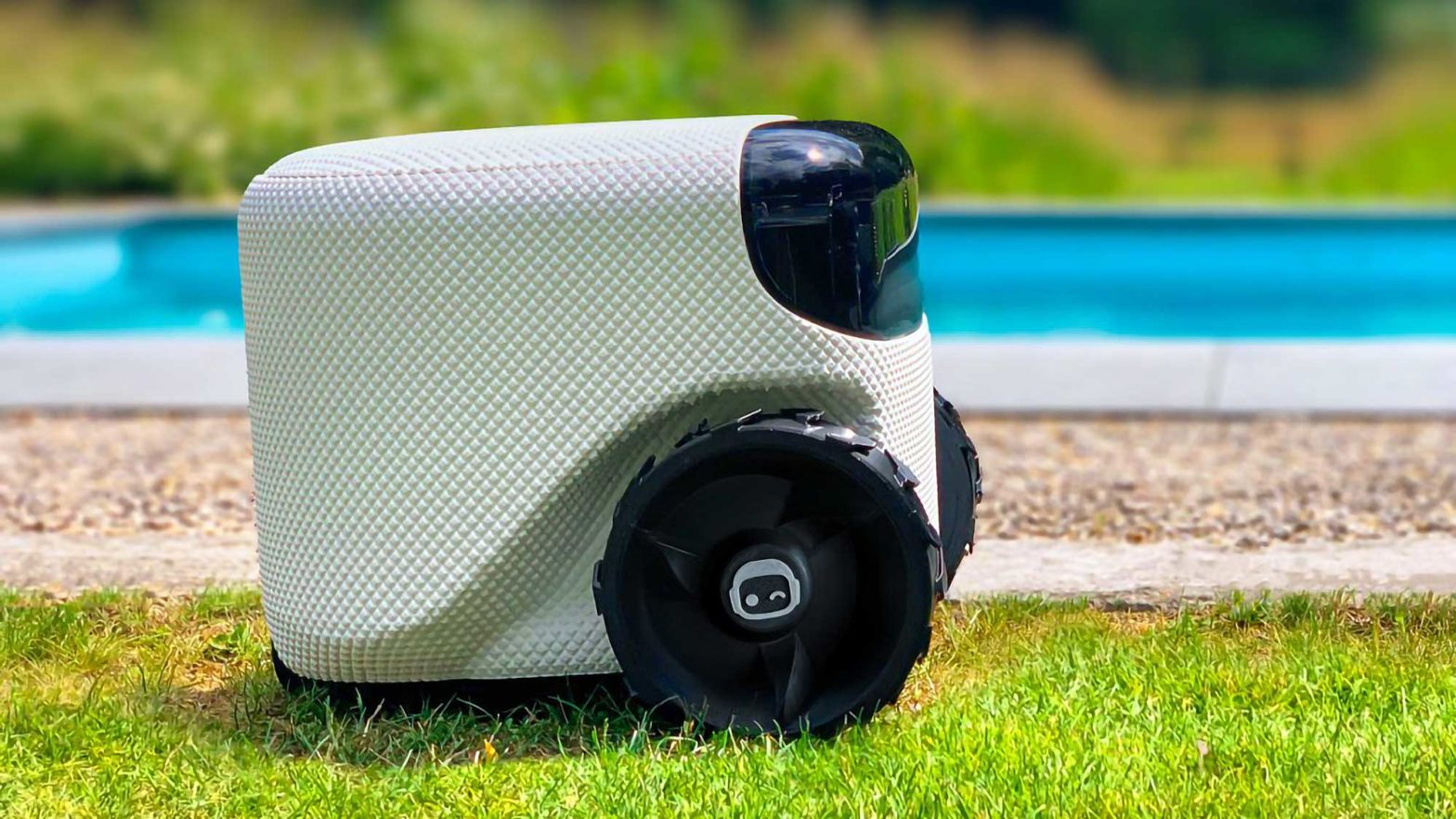 Toadi AI-powered Autonomous Lawn Mower