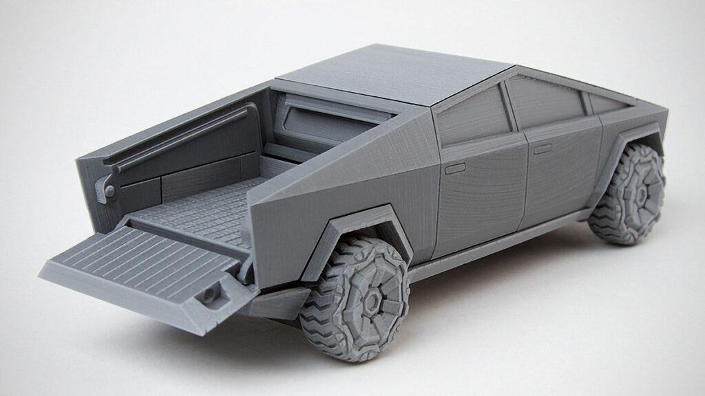 3D Printed Foldable Tesla Cybertruck Model