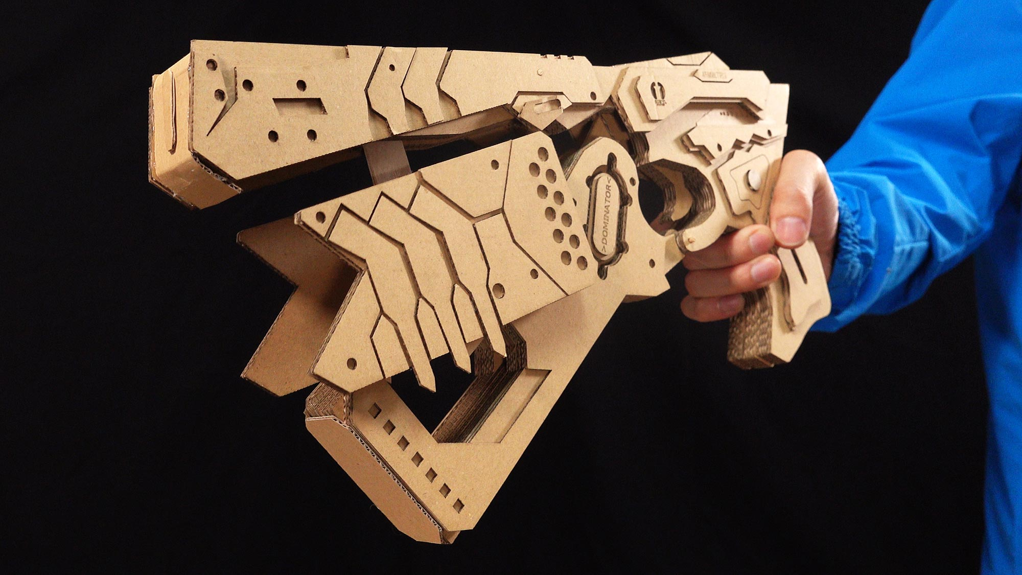 someone made a psychopass dominator gun prop entirely out