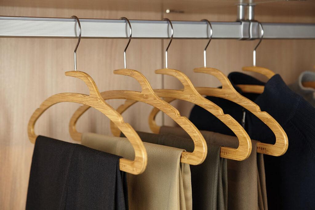 Mozu Hanger by Ensu Design