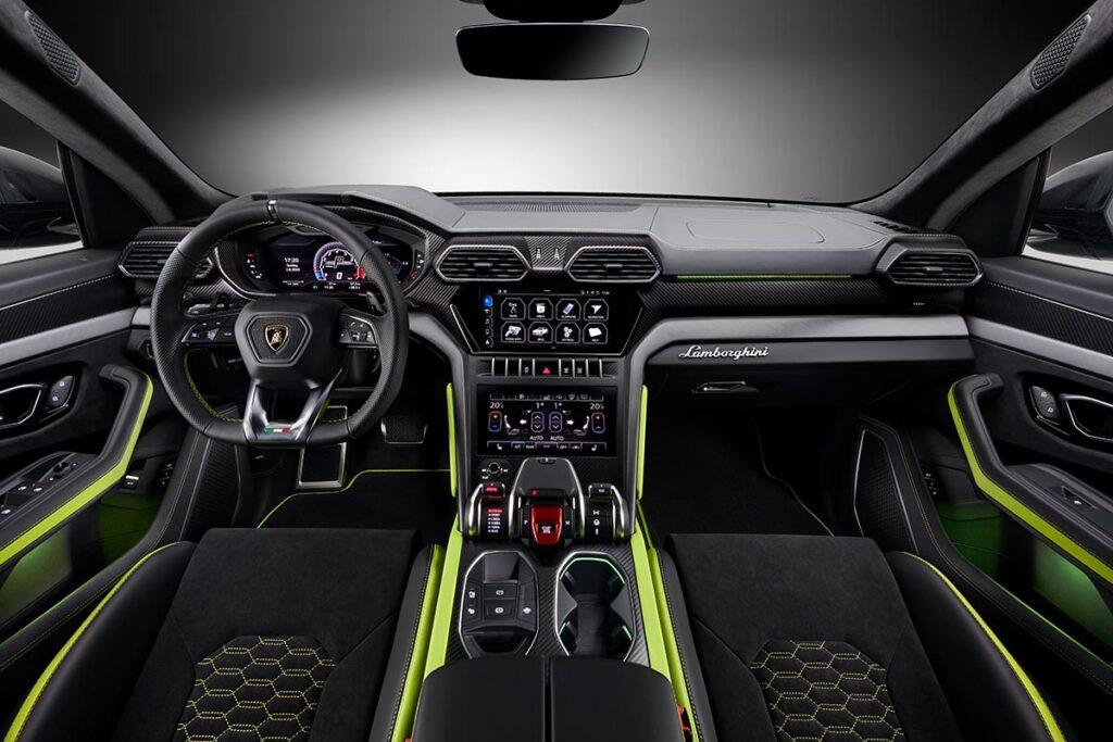 2021 Lamborghini Urus Graphite Capsule Super SUV