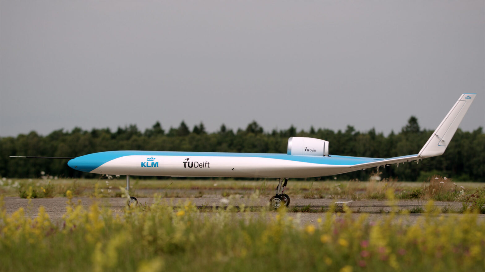 KLM and TU-Delft Flying the Model Flying-V