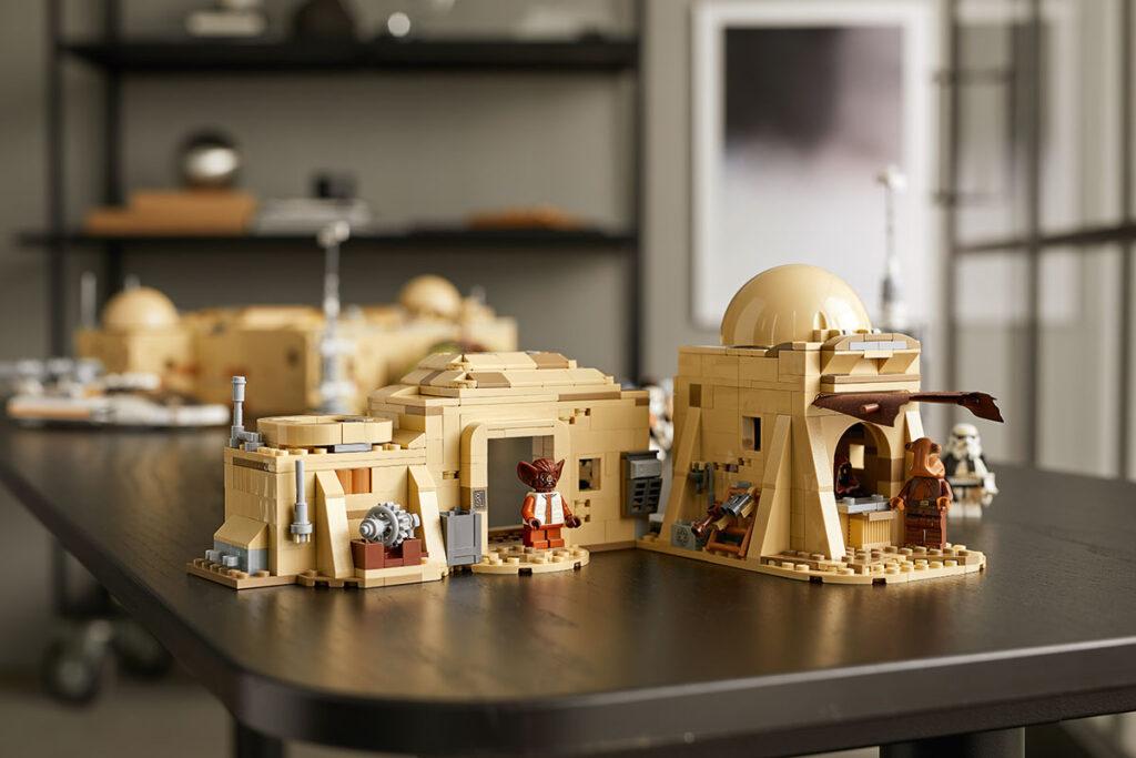 LEGO 75290 Star Wars Mos Eisley Cantina Set