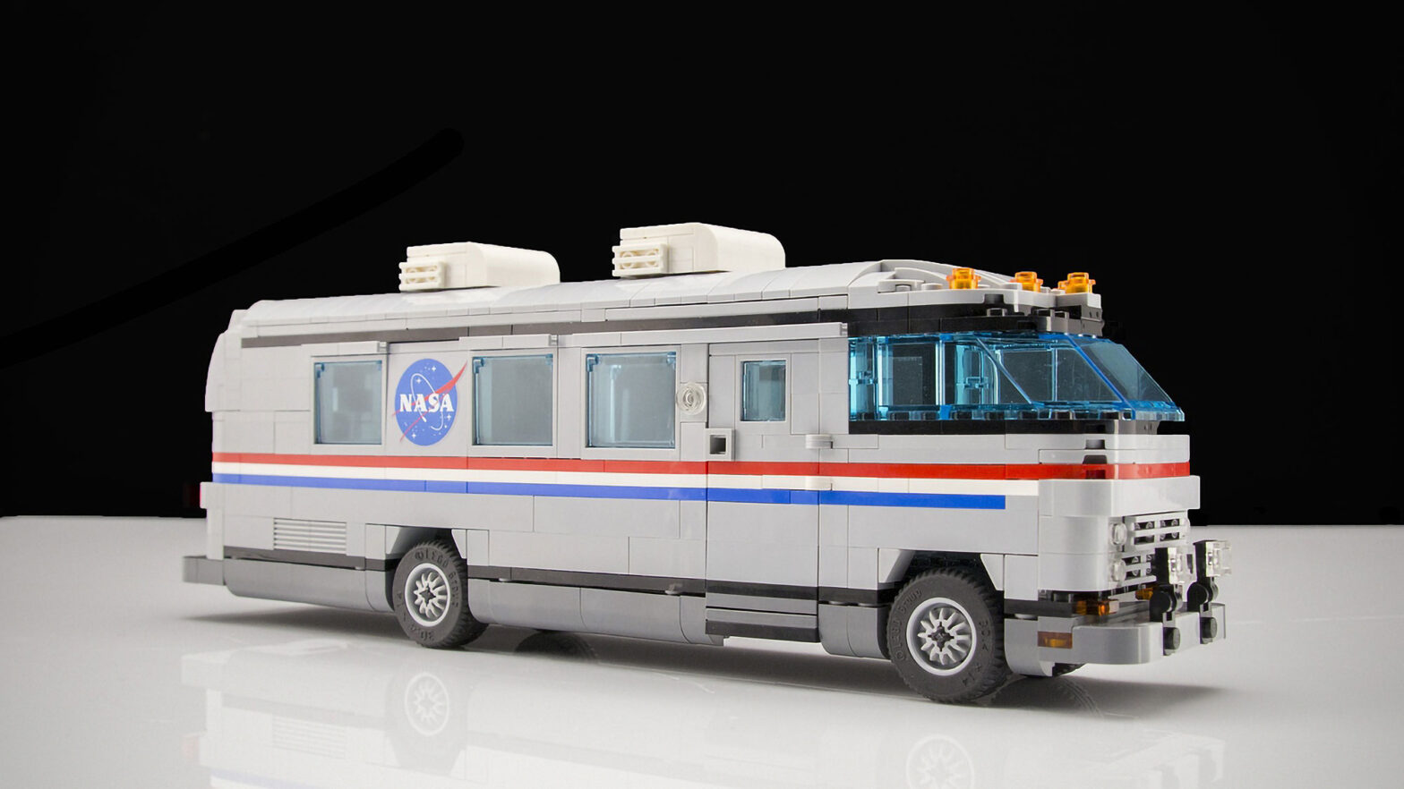 LEGO Ideas Airstream NASA Astrovan by Jeno1