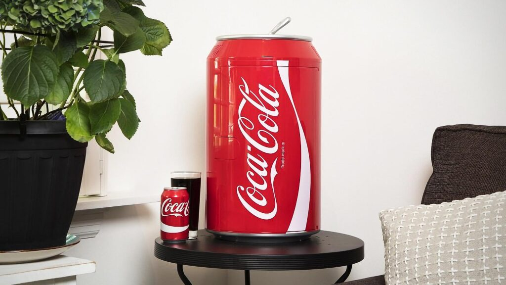 Coca-Cola Can-shaped Desktop Fridge