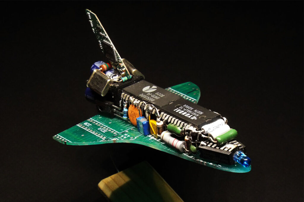 Electronic Space Shuttle by SimonRob