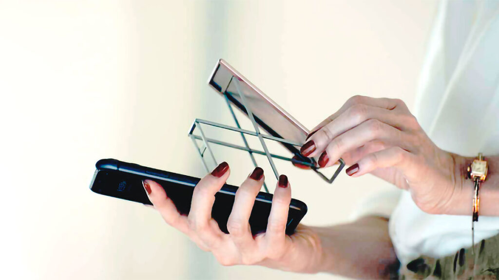 Majextand M Phone and Tablet Foldaway Stand