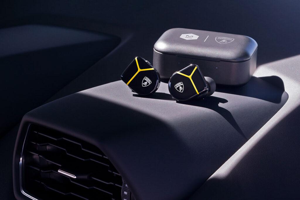 Master & Dynamic for Automobili Lamborghini Collection