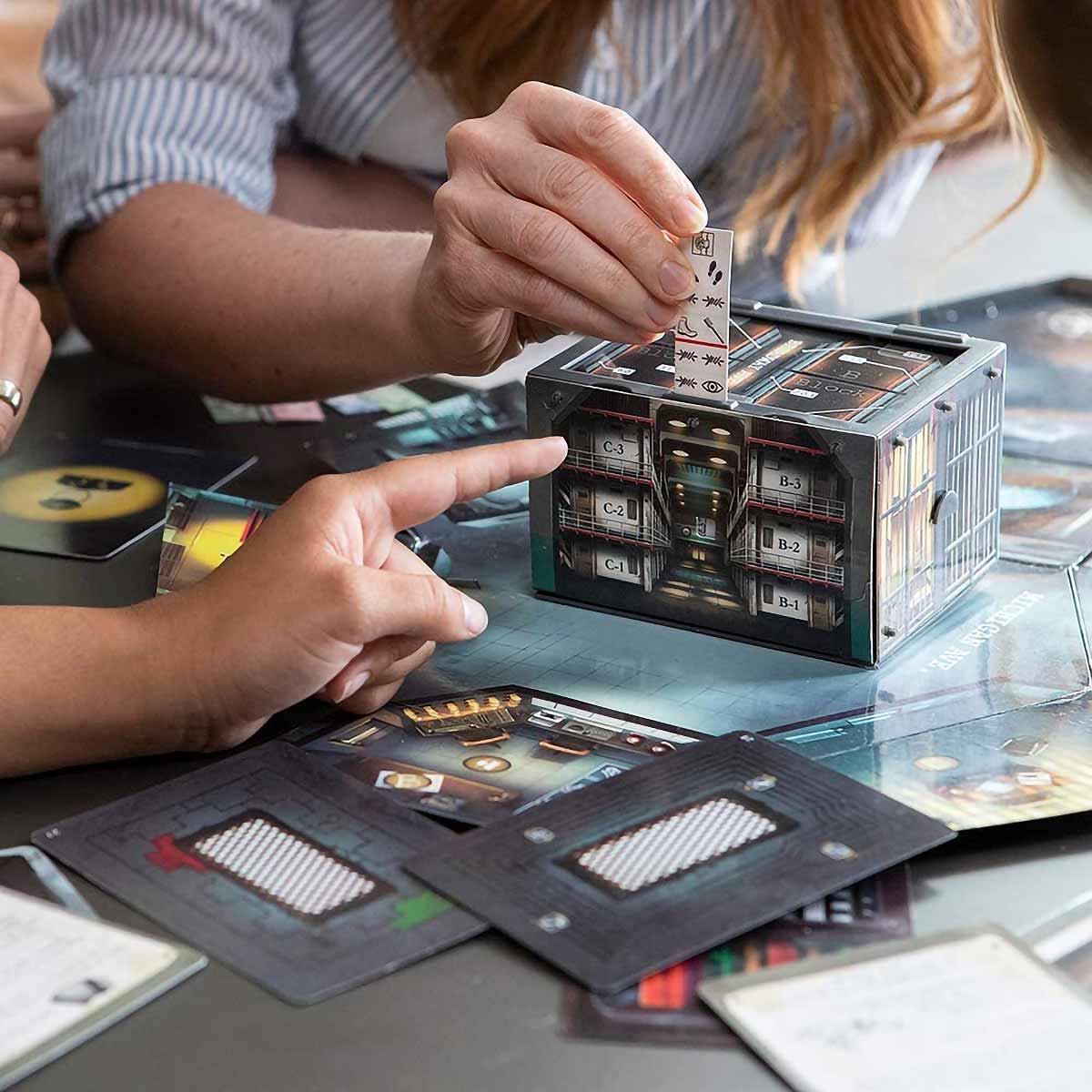 PlayMonster Break In Alcatraz Board Game