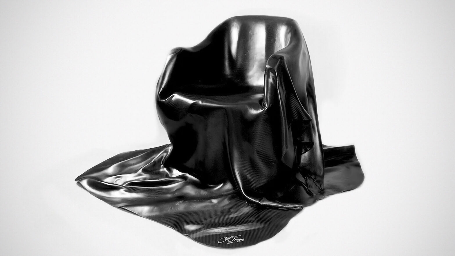 Alvarae Phantom Carbon Fiber Chair