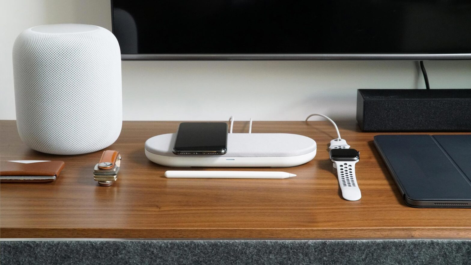 Artellia Monno 5-in-1 Wireless Charging Pad