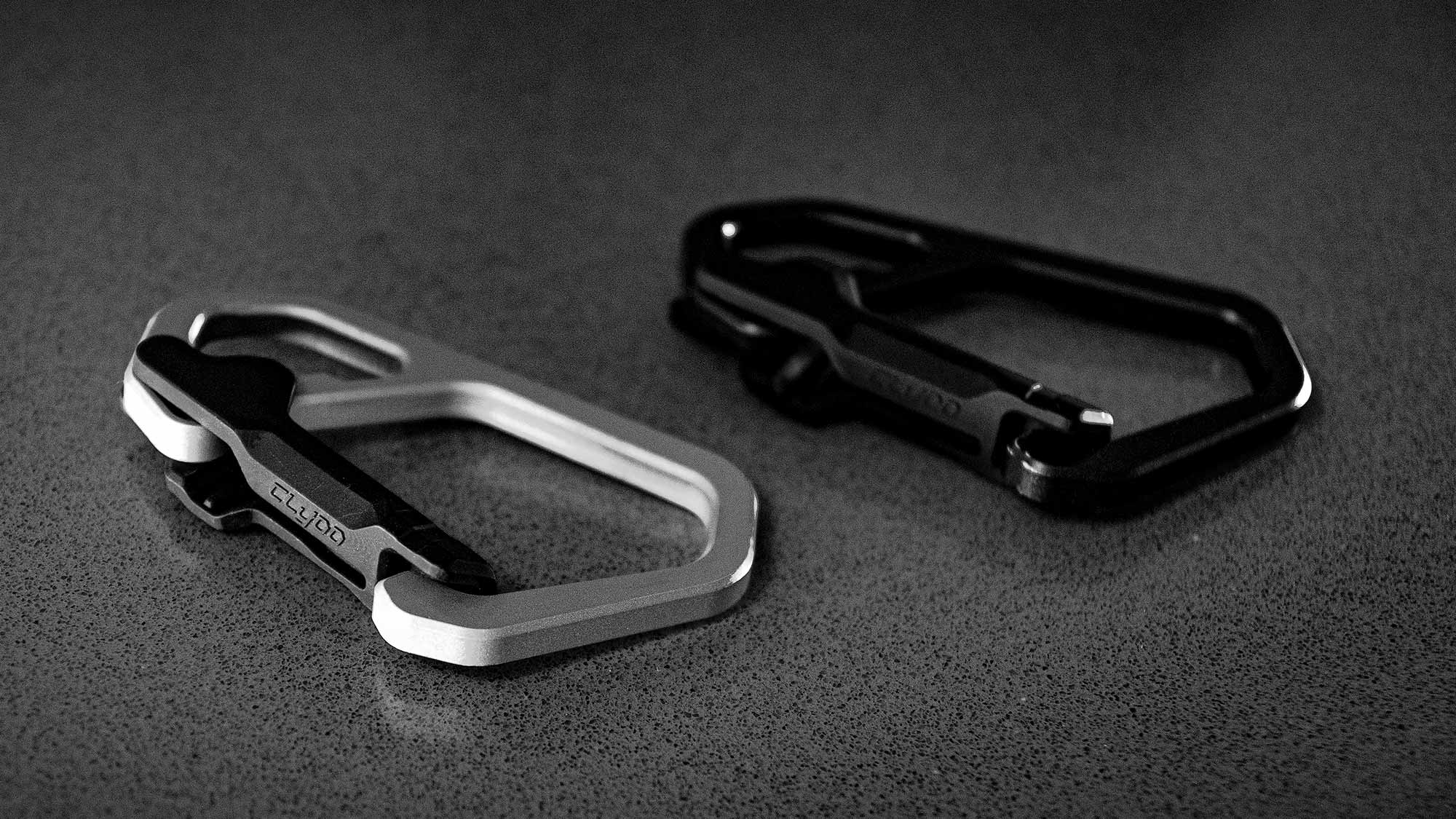 CLYOO Carabiner-style Everyday Carry