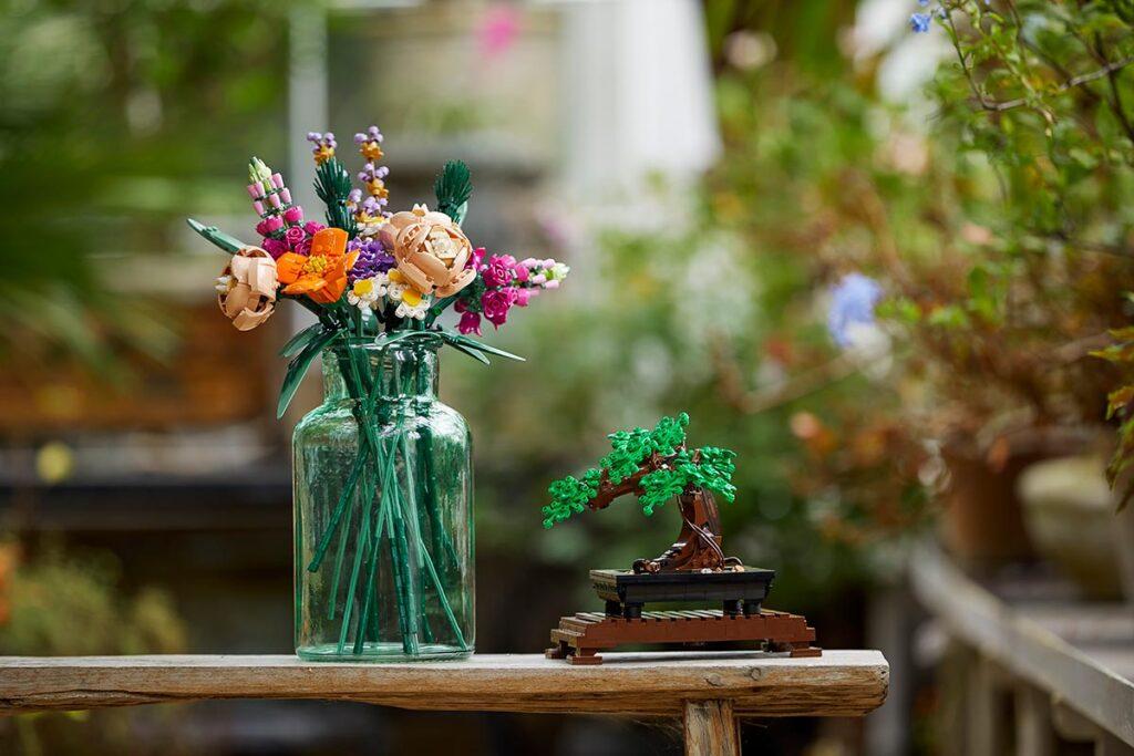 Decorative LEGO Botanical Collection