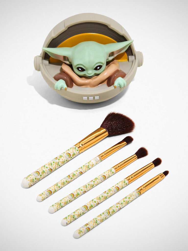 Loungefly Star Wars The Mandalorian The Child Makeup Brush Holder