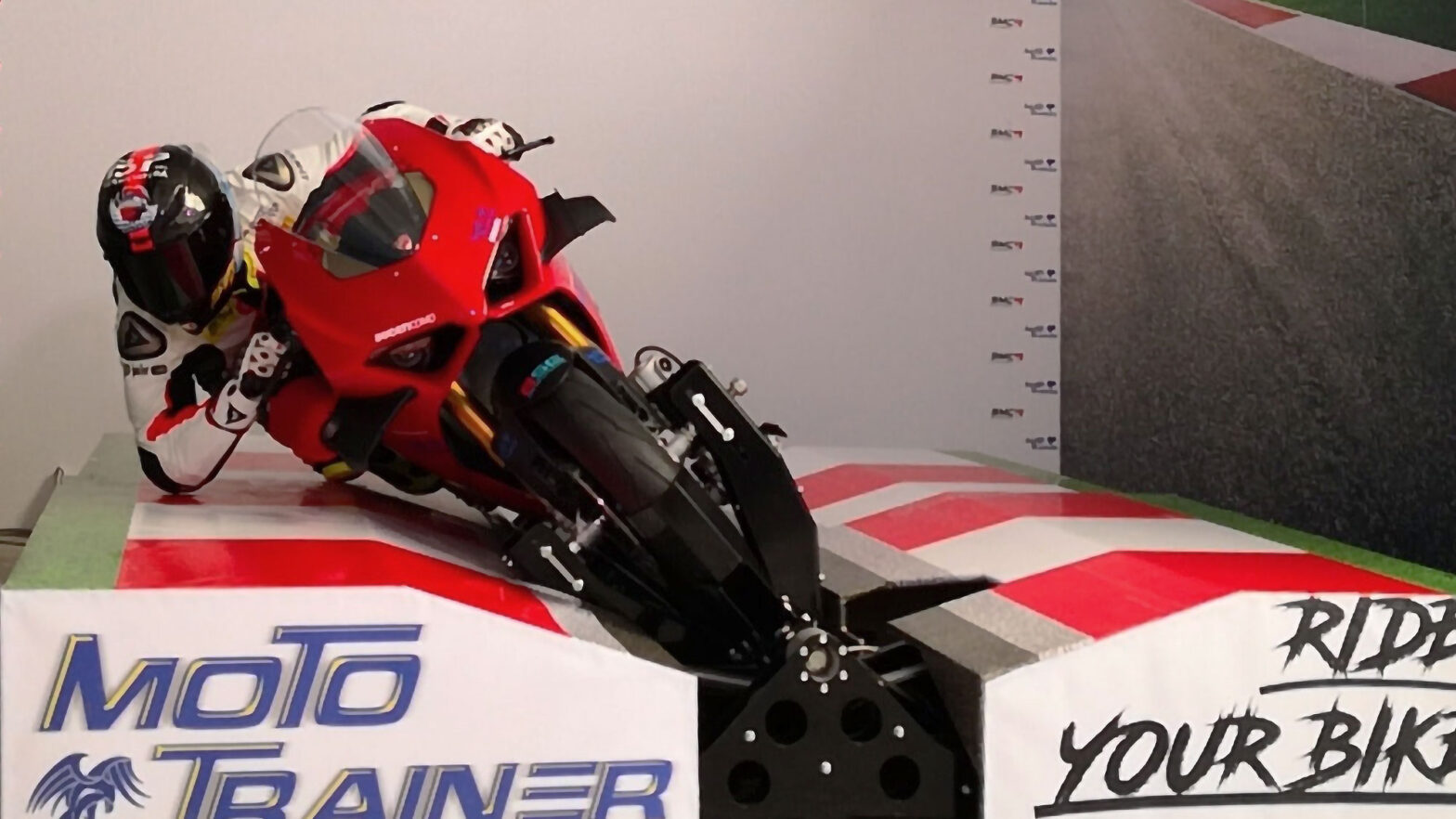 Moto Trainer Motorcycle Simulator