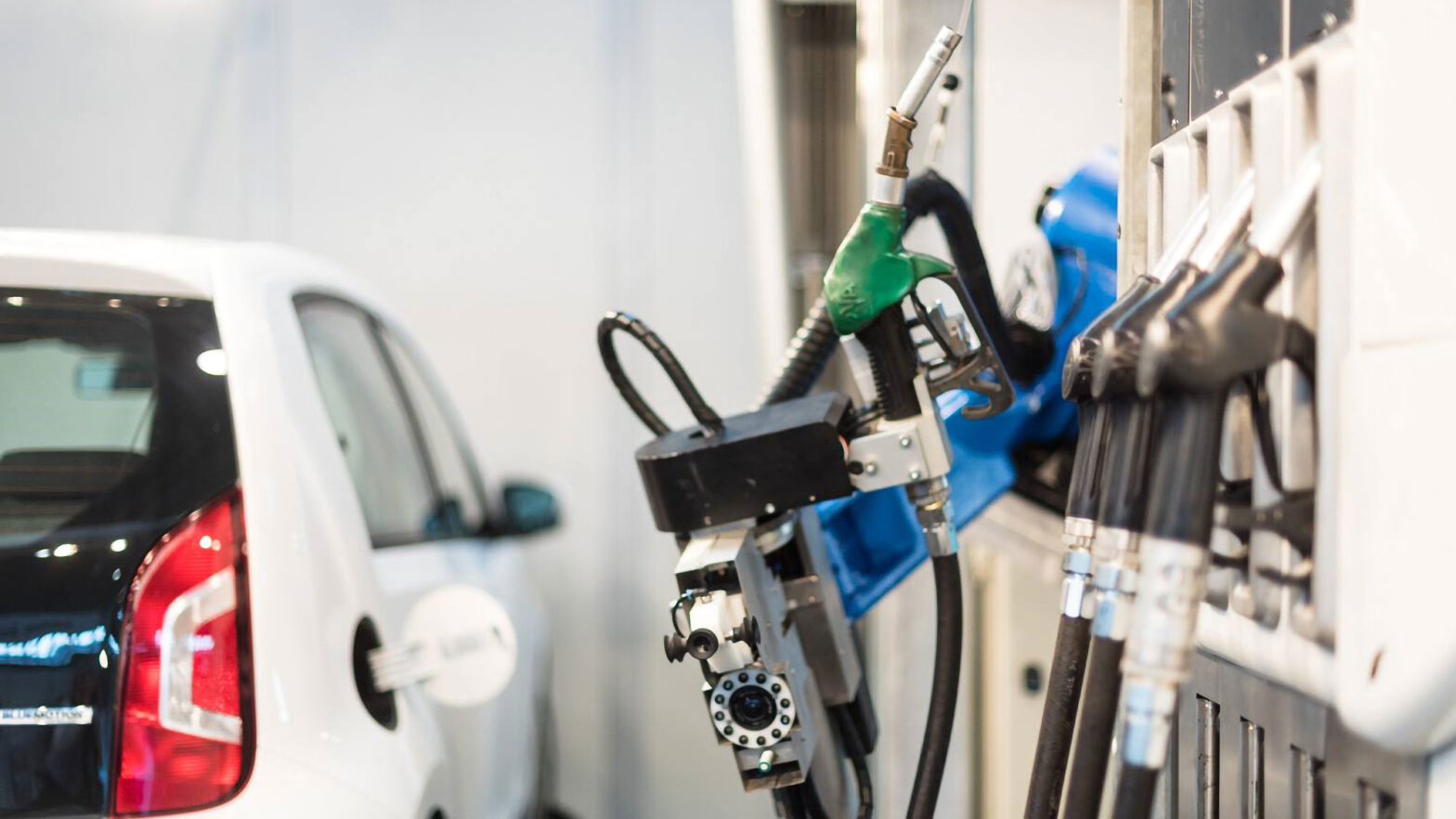 Rotec Robotic Fueling for Passenger Cars