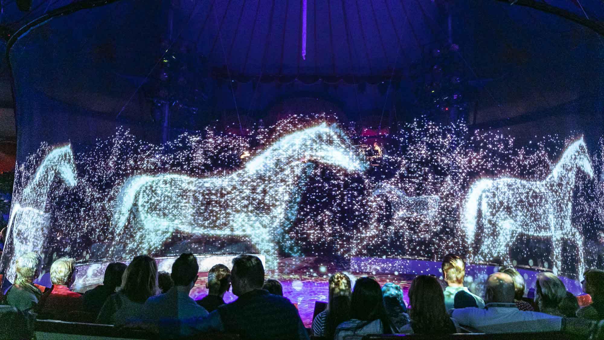 Circus Roncalli Uses Hologram for Circus Performances