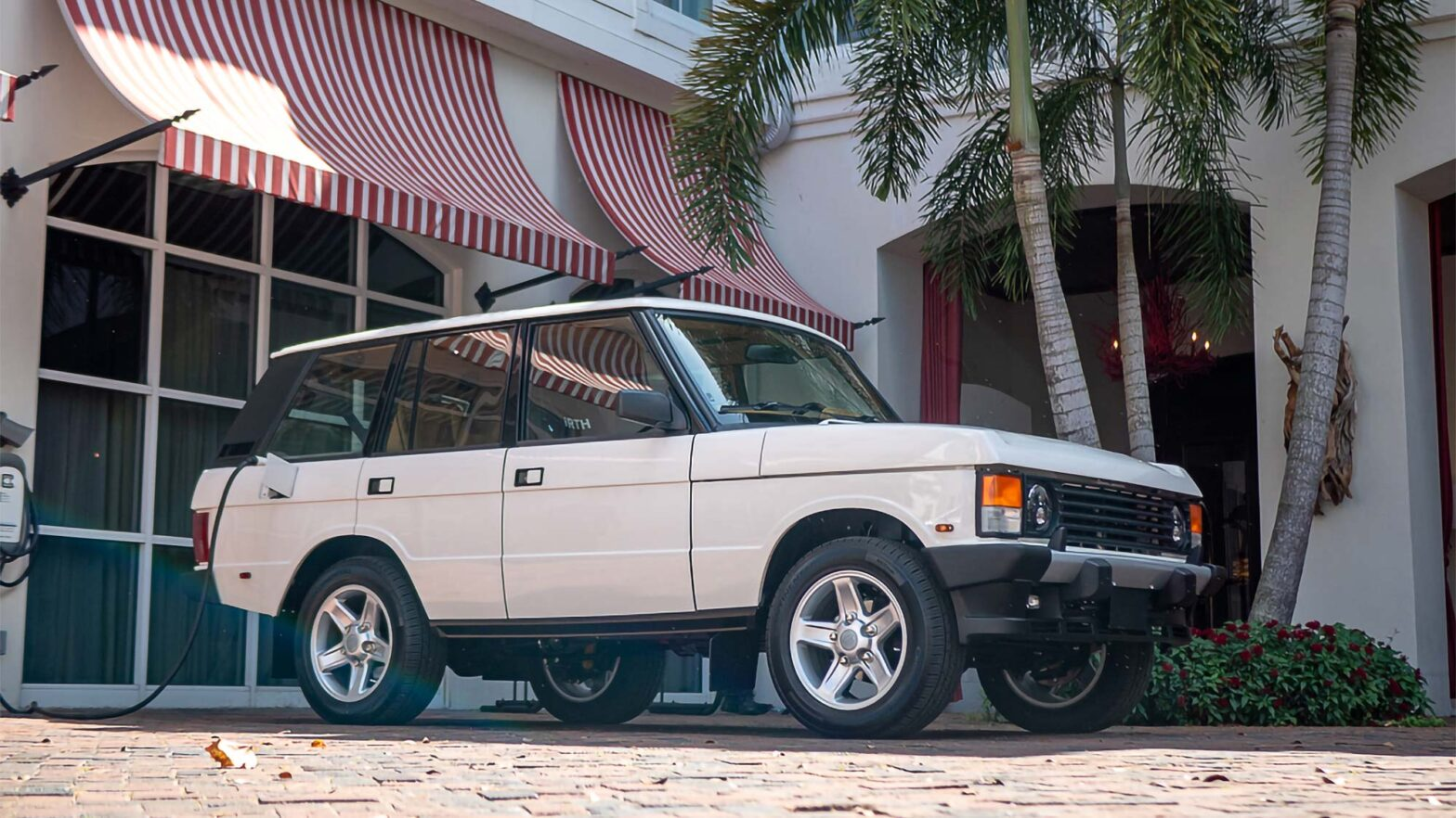 E.C.D. Automotive Design Tesla-powered Range Rover Classic