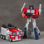 Someone 3D Printed A Transformable Marvel <em>Transformers</em> Optimus Prime Figure