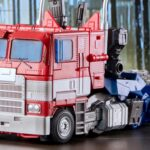 Hasbro/Takara Tomy <em>Transformers</em> Masterpiece Movie MPM-12 <em>Bumblebee</em> Movie Optimus Prime Revealed