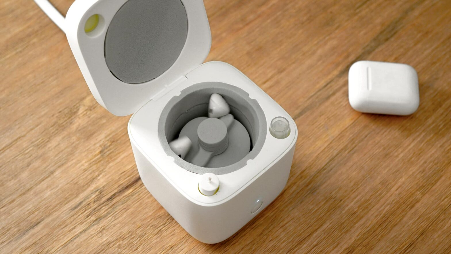Cardlax Automatic Earbuds Washer Kickstarter