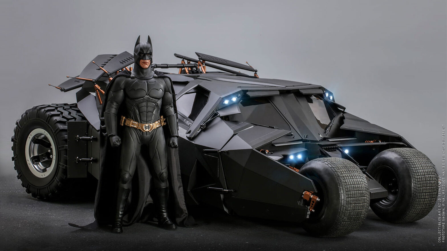 Hot Toys Batman Begins Batman and Batmobile