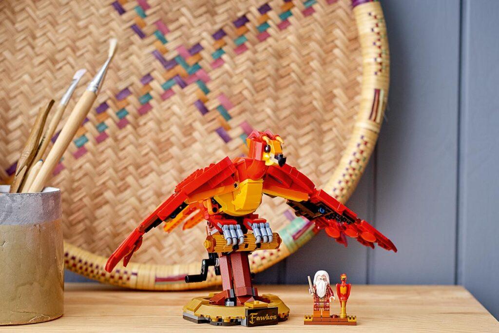 LEGO 76394 Harry Potter Fawkes Dumbledore's Phoenix image