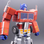 Self-Transforming <em>Transformers</em> Optimus Prime Robot Toy Is Real!