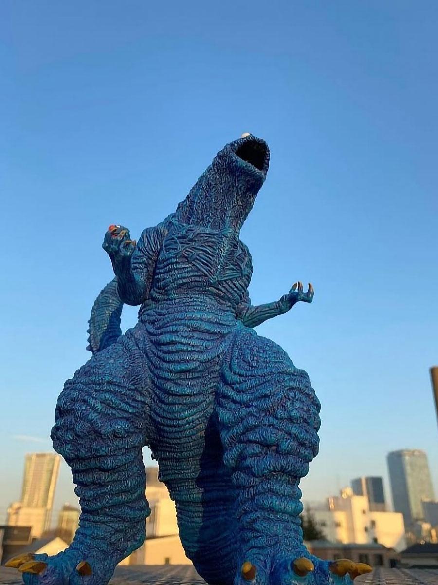 Shin Cookiezilla Resin Statue by Gabriel Marquez