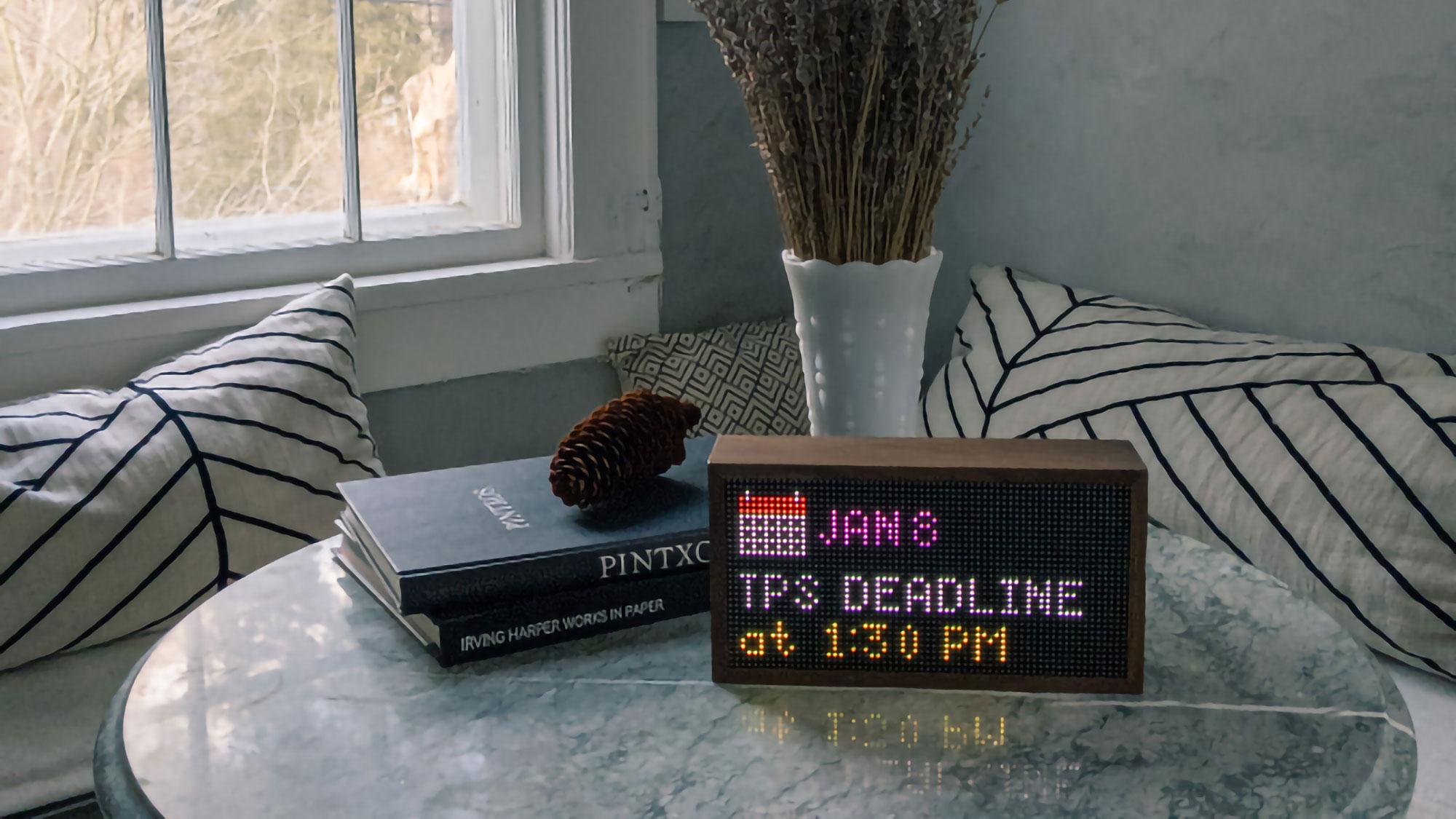 Tidbyt Lo-Fi Retro Smart Display