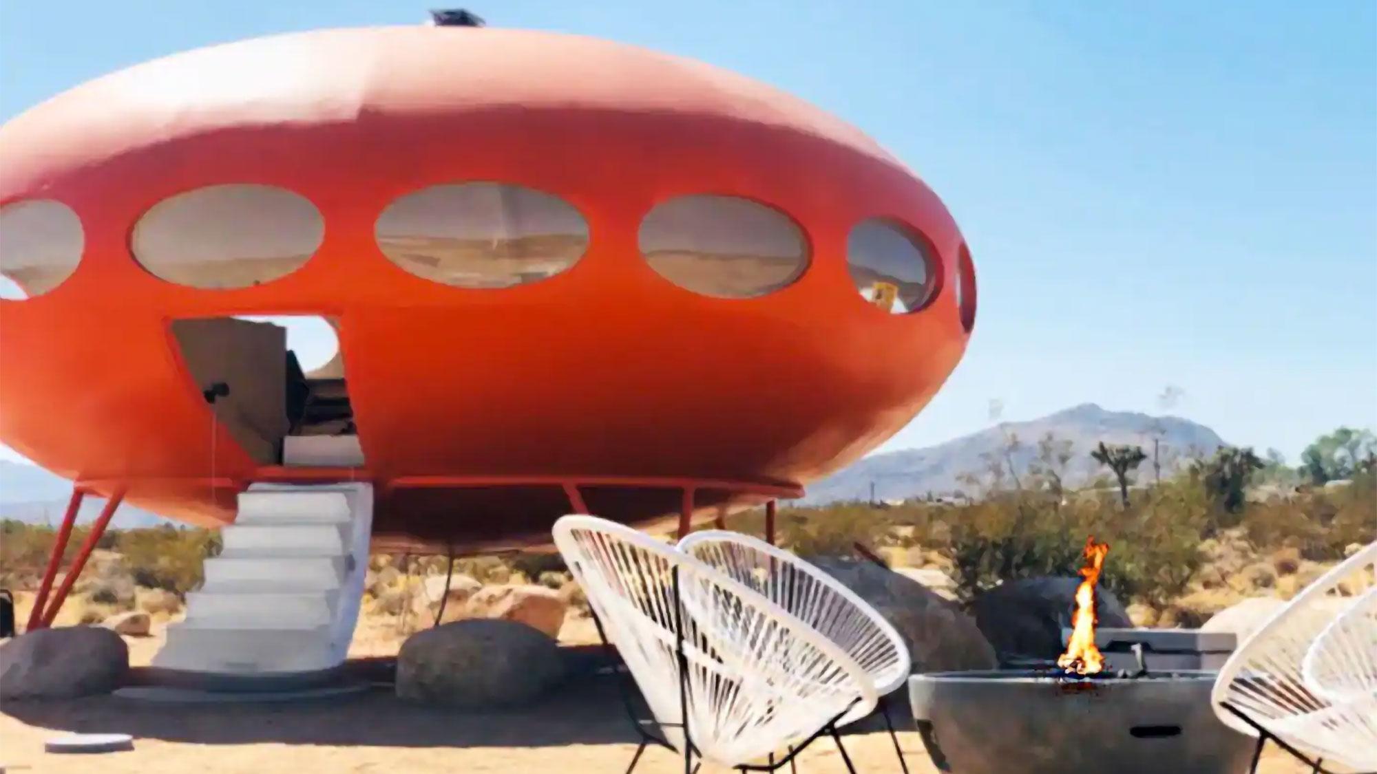 Airbnb Area 55 Futuro House