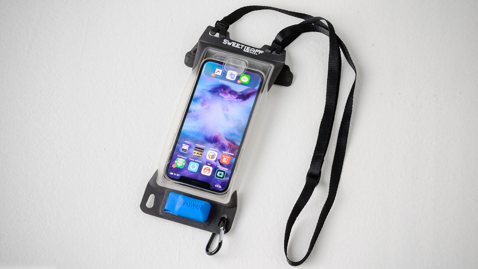 Sweetleaff Smartphone Pouch with Air Pump