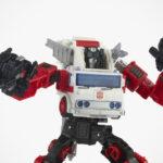 Hasbro <em>Transformers</em> Generations Selects Voyager WFC-GS26 Artfire & Nightstick