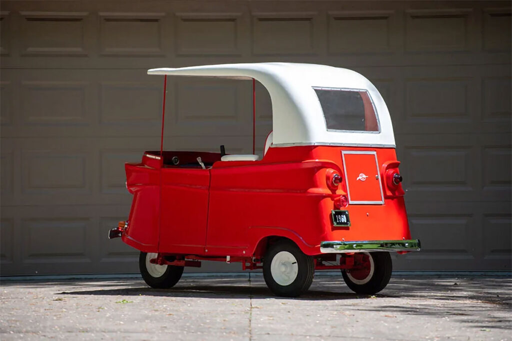 1960 Taylor-Dunn Trident Runabout Electric Cart