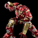 DLX Hulkbuster 1/12 Scale Figure Is Capable Of The Signature <em>Iron Man</em> Landing Pose