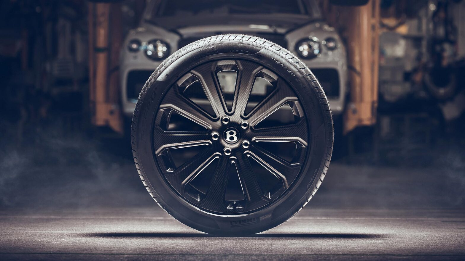 "Bentley Bentayga 22"" Carbon Fiber Wheel"