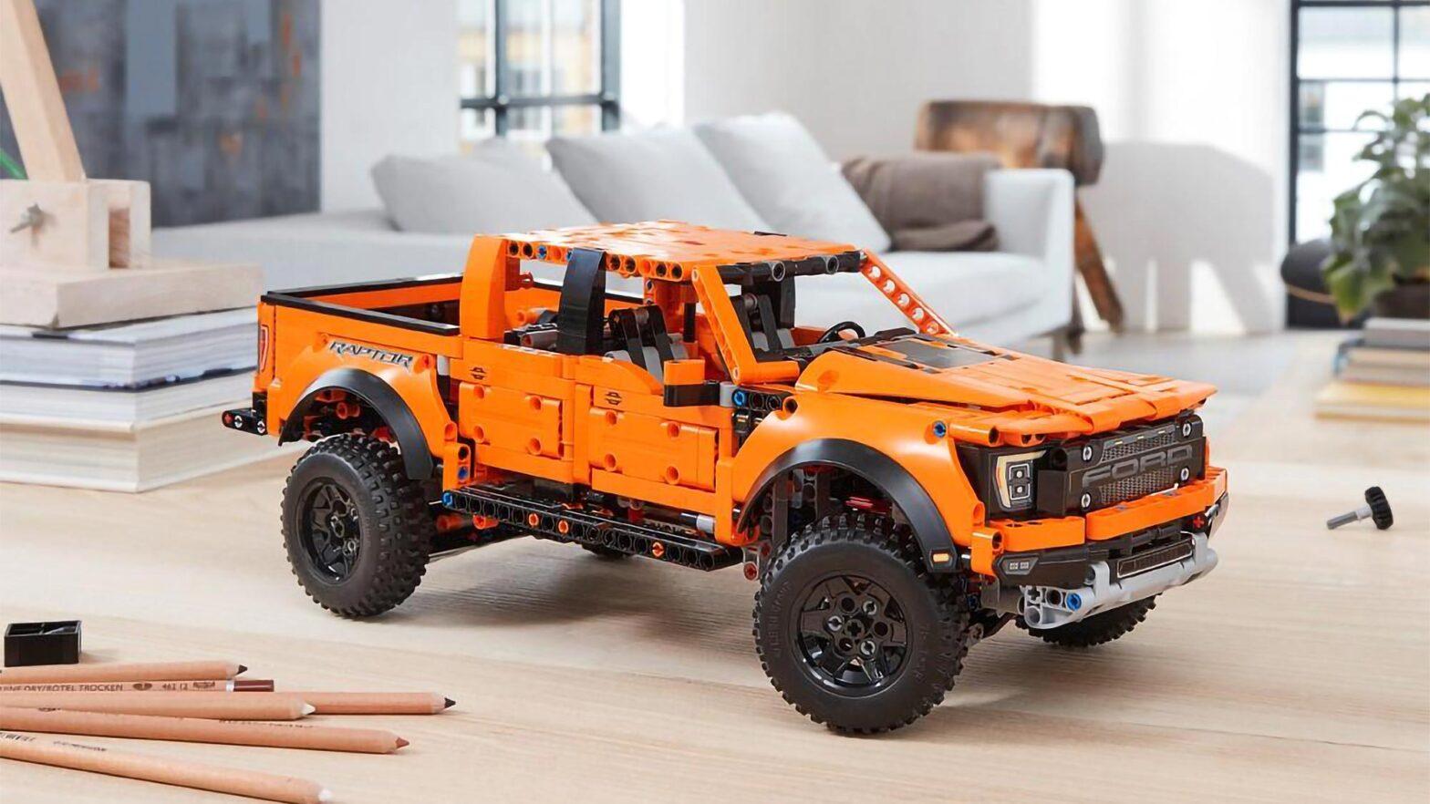 LEGO 42126 Technic Ford F-150 Raptor
