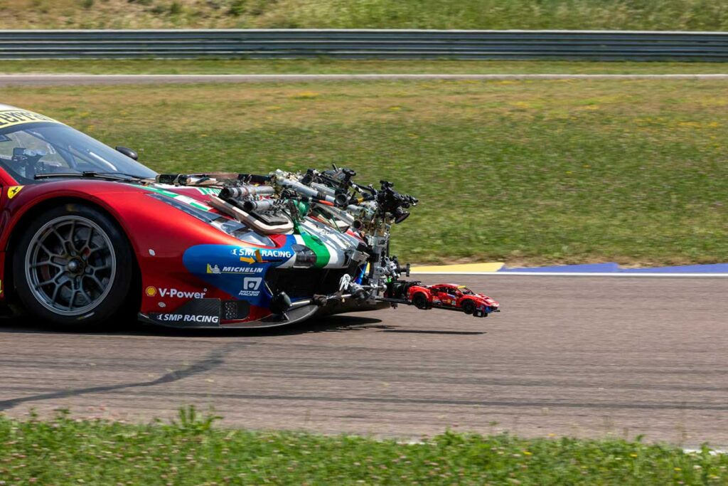 LEGO Technic Ferrari 488 GTE AF Corse 200 mph